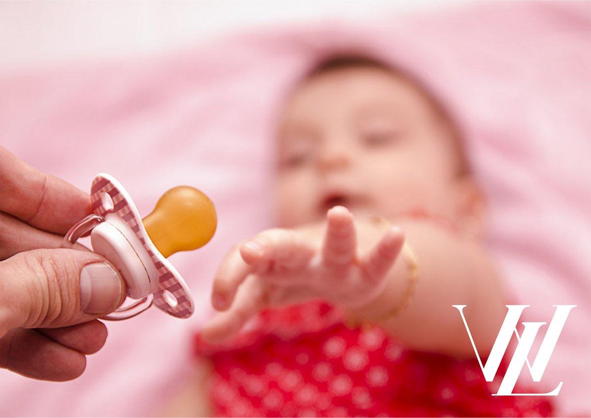 Что можно сделать, чтобы отучить ребенка постоянно сосать соску?