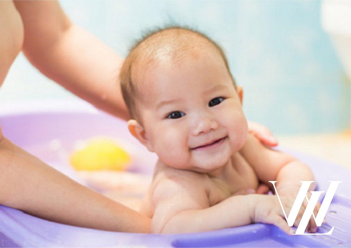 Правила безопасности малыша в ванной комнате
