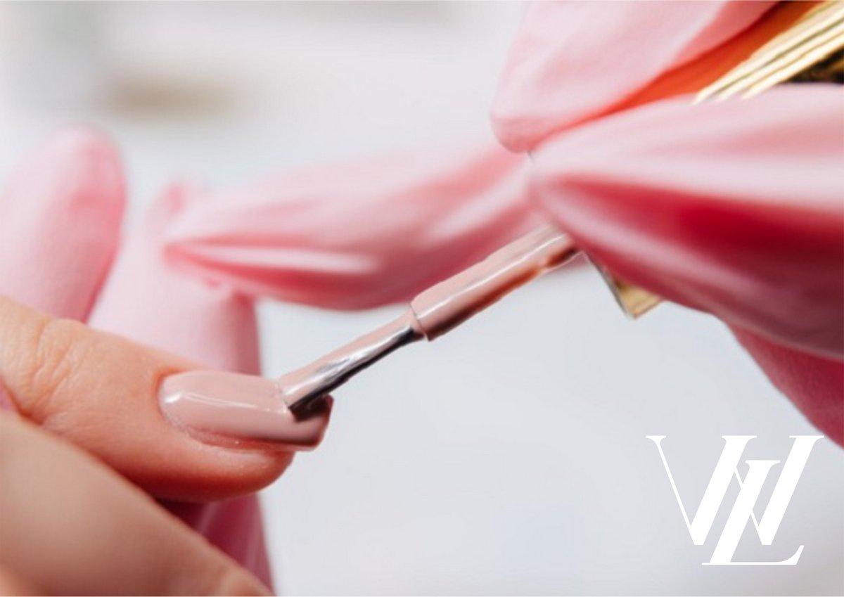 Причины ломкости ногтевой пластины