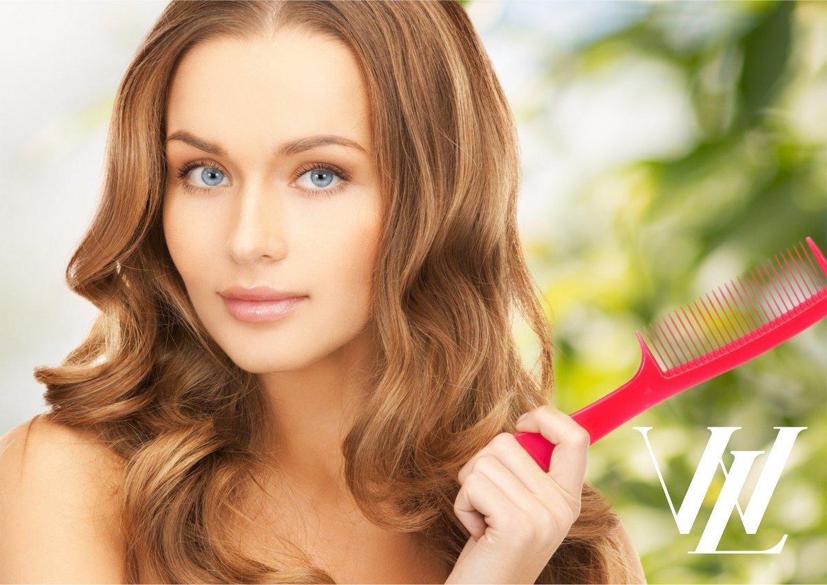 Боремся с выпадением волос: самые важные витамины, которые помогут избавиться от проблемы