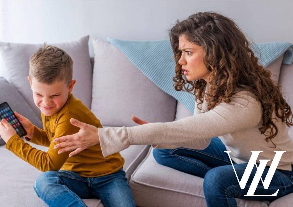Ваш ребенок зависим от гаджетов? Четыре причины, по которым ваш ребенок постоянно сидит в телефоне