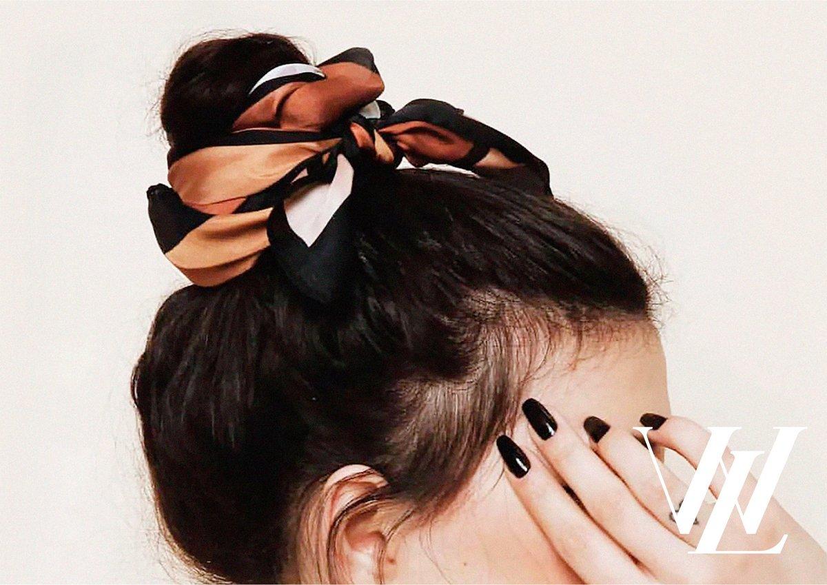 Как создать стильный образ осенью: пять самых трендовых аксессуаров для волос 2021